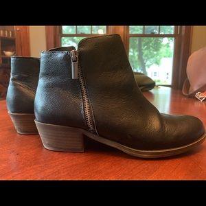 Kensie booties- black leather sz8